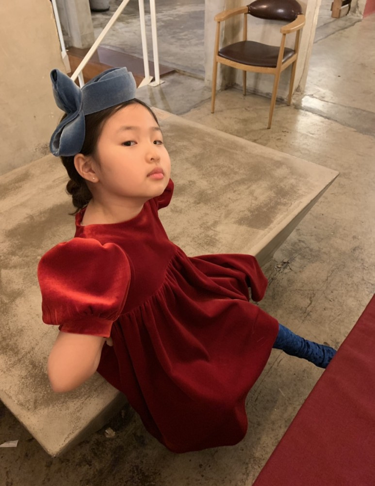 2019 Snow White Red Apple Dress, 마망살롱